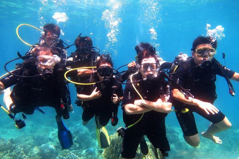 Tour khám phá lặn biển nha trang