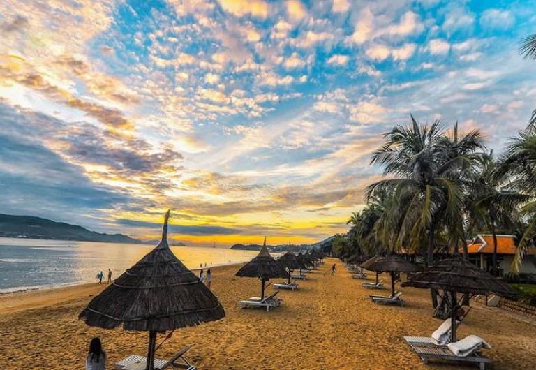 Biển Nha Trang hoàng hôn