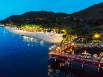 Tour Nha Trang biển xanh Hoa Đà Lạt